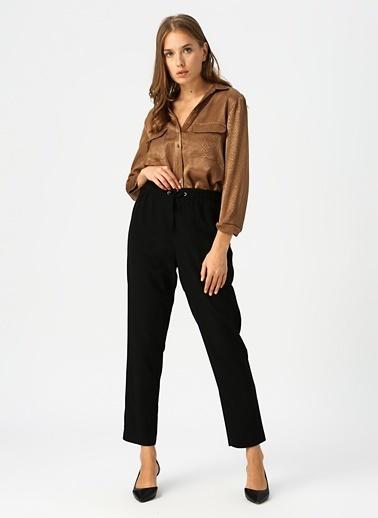 Fabrika Fabrika Bilek Boy Büzmeli Bel Detaylı Bağcıklı Kadın Pantolon Siyah
